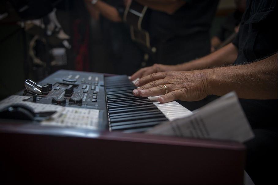 Il n'existe aucune limite d'âge pour apprendre la musique