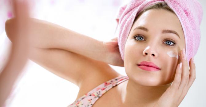 Des marques d'acné sur le visage? Découvrez 5 masques pour cicatrice